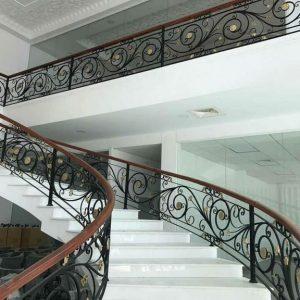 Cầu thang sắt mỹ thuật đẹp CTTA 003