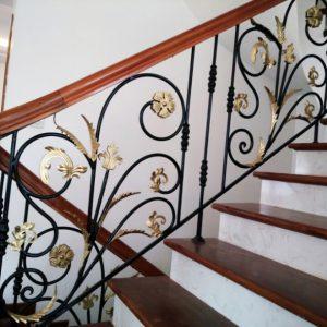 Cầu thang sắt mỹ thuật đẹp CTTA 014