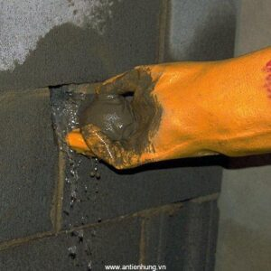 Thi công chặn rò rỉ nước bằng AC Waterplug 102