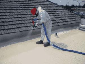 Phun sơn chống thấm Victalastic trên trần nhà