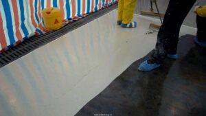 Sơn phủ sàn epoxy tự san phẳng