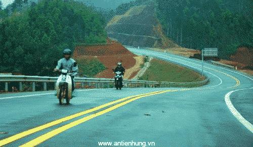 Hình ảnh công trình đường quốc lộ được thi công bởi sản phẩm An Tiến Hưng