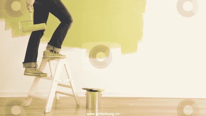 Sơn nhũ tường (gồm: sơn lót và sơn nhũ) SNT có thể pha với nước nếu quá đặc