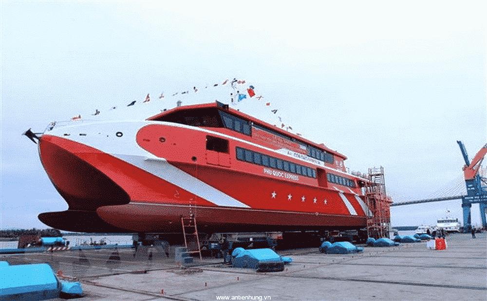 Nên sử dụng sơn chống hà cho tàu thủy