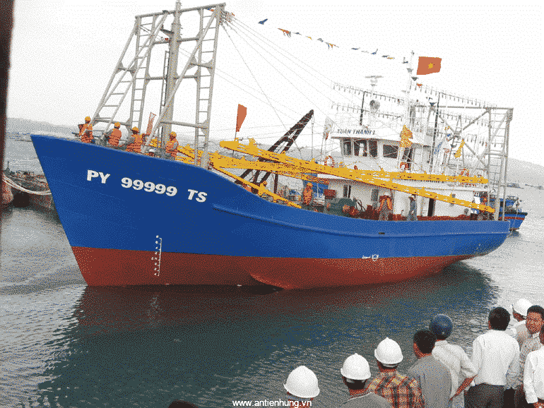 Sơn PENGUARD TOPCOAT (20 LÍT) dùng nhiều trong công nghiệp đóng tàu