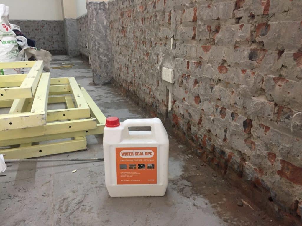 Thi công chống thấm tường bằng dung dịch chống thấm Water Seal DPC