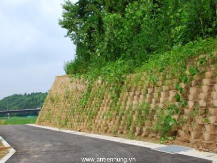 Geocell có thể được lấp đầy đất và trồng cỏ