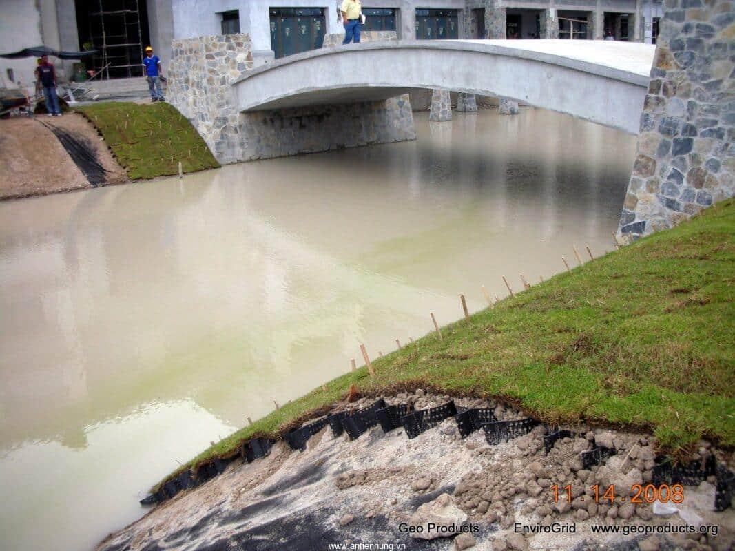 Ô địa kỹ thuật Geocell bảo vệ bờ kênh